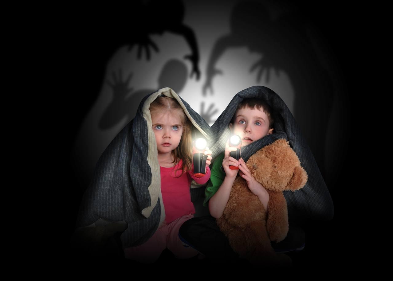 children hiding creepy house halloweenphotography